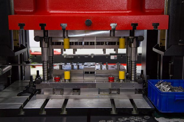 Maintenance Tips For Hydraulic Punching Press